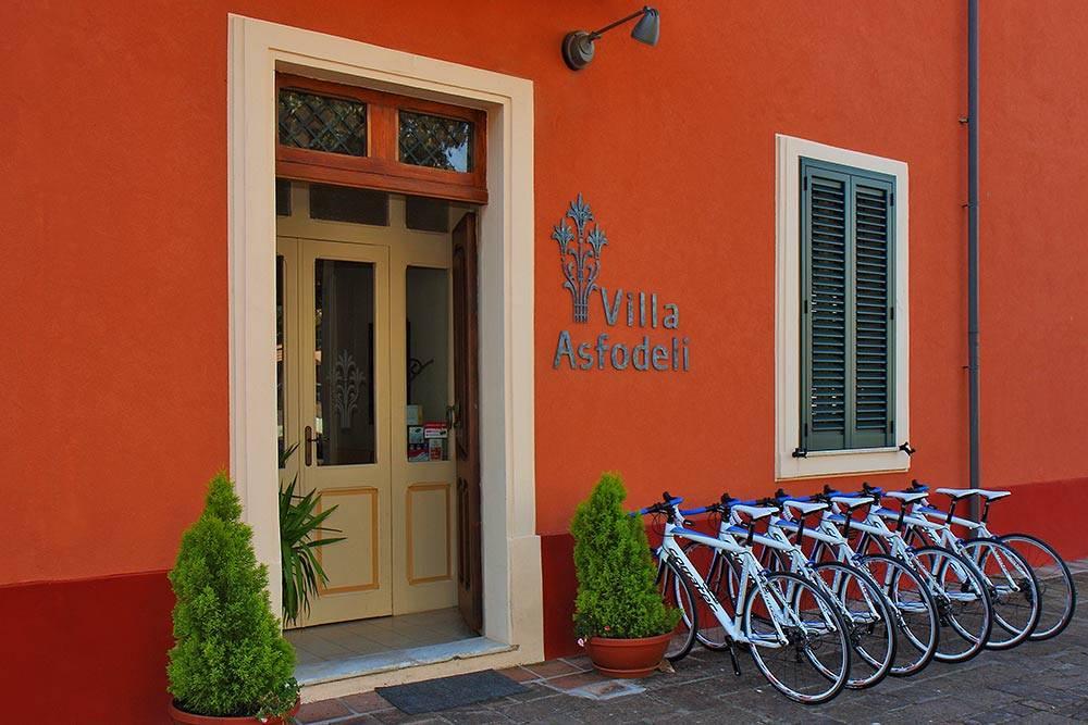 Bike hotel a Tresnuraghes in Sardegna